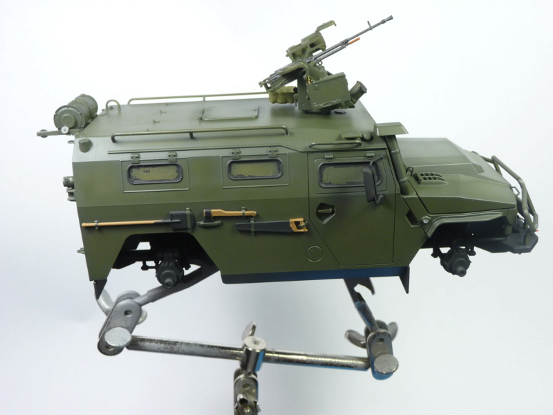 """Tiger-M Russian Armored vehicule with """"Arbalet"""" 1/35 ( Zvezda 3683 ) *** Terminé en pg 3 - Page 2 P1290819"""