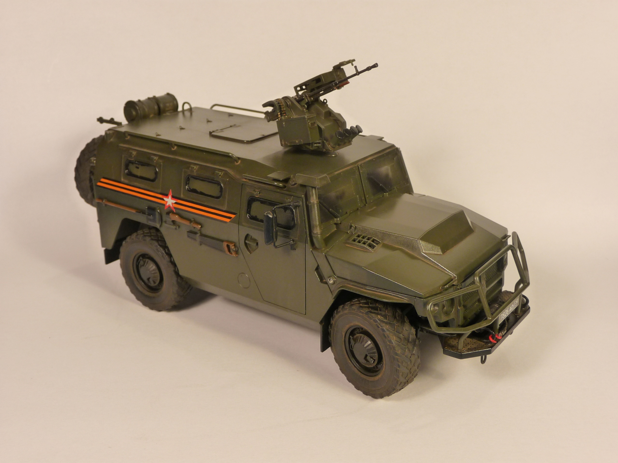 """Tiger-M Russian Armored vehicule with """"Arbalet"""" 1/35 ( Zvezda 3683 ) *** Terminé en pg 3 - Page 2 P1300232"""