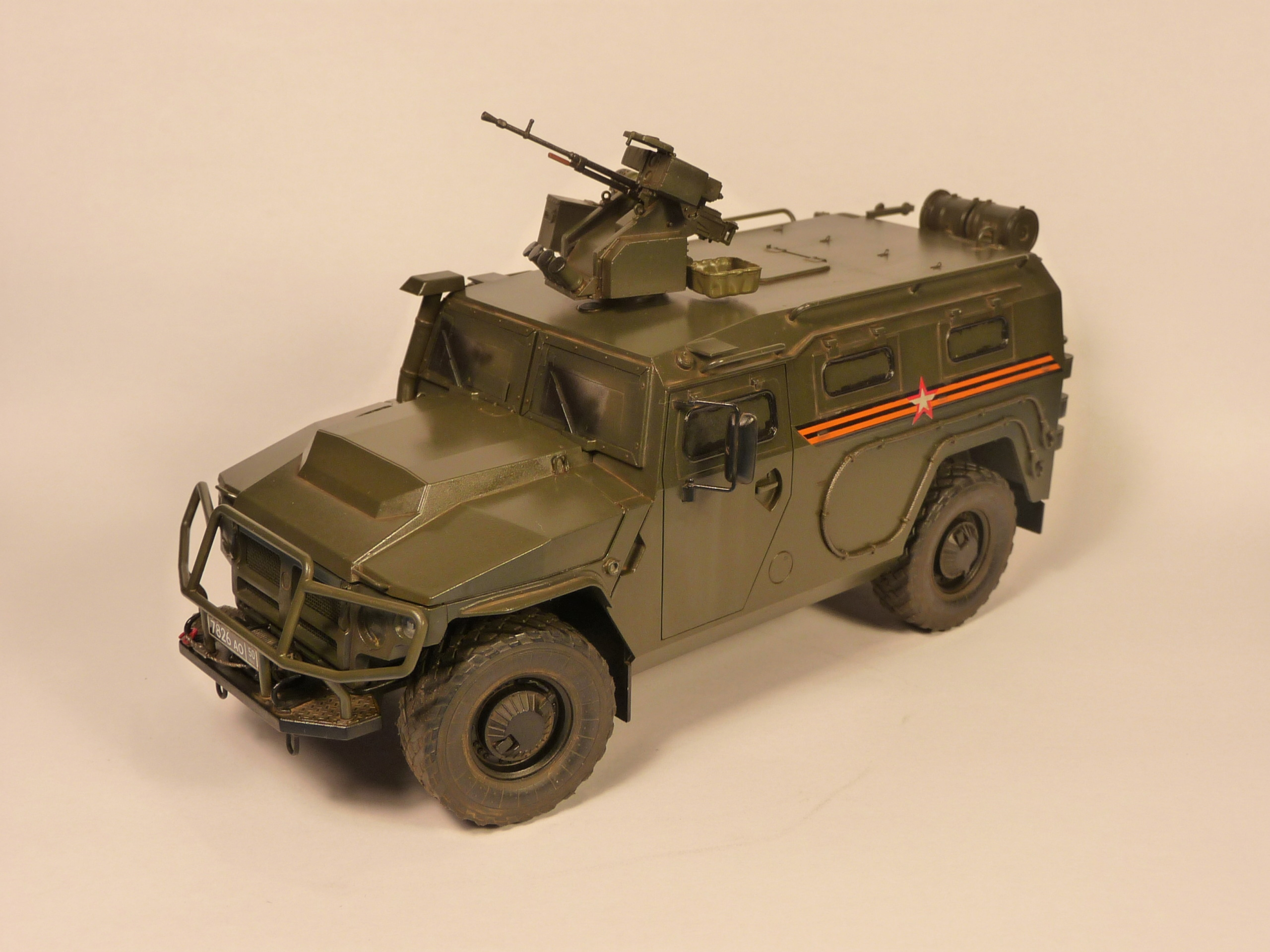 """Tiger-M Russian Armored vehicule with """"Arbalet"""" 1/35 ( Zvezda 3683 ) *** Terminé en pg 3 - Page 2 P1300233"""