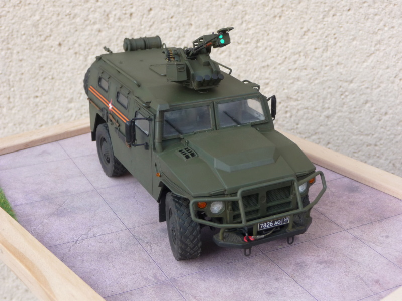 """Tiger-M Russian Armored vehicule with """"Arbalet"""" 1/35 ( Zvezda 3683 ) *** Terminé en pg 3 - Page 3 P1300340"""