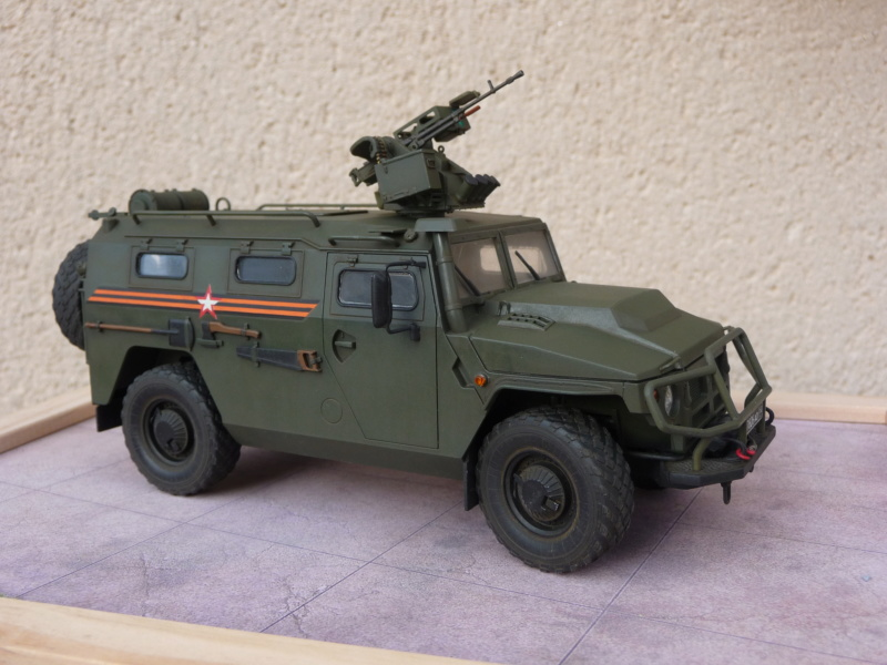 """Tiger-M Russian Armored vehicule with """"Arbalet"""" 1/35 ( Zvezda 3683 ) *** Terminé en pg 3 - Page 3 P1300346"""
