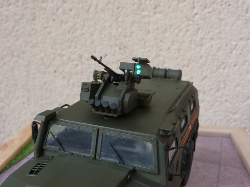 """Tiger-M Russian Armored vehicule with """"Arbalet"""" 1/35 ( Zvezda 3683 ) *** Terminé en pg 3 - Page 3 P1300347"""