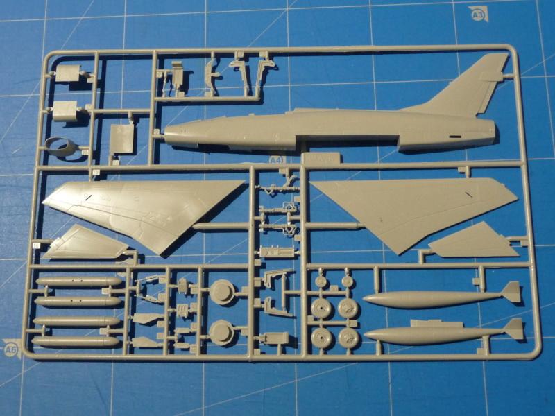 F-100F Super Sabre 1/72 (Italeri 1398) P1300813