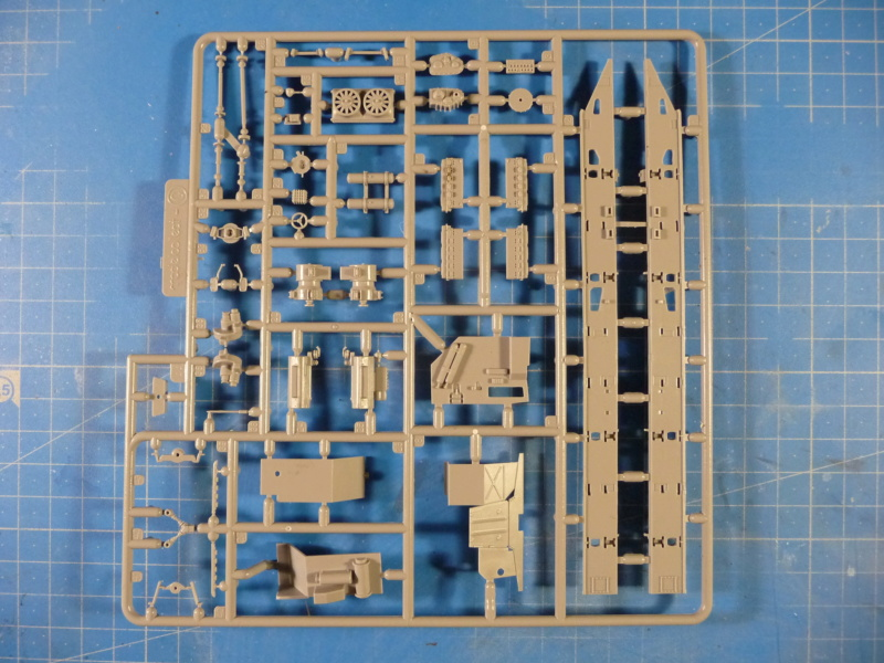 Ouvre-boite : MAZ-7410 & Chmzap-9990 w/ T-80BV MBT 1/72 (Modelcollect UA 72153) P1310428