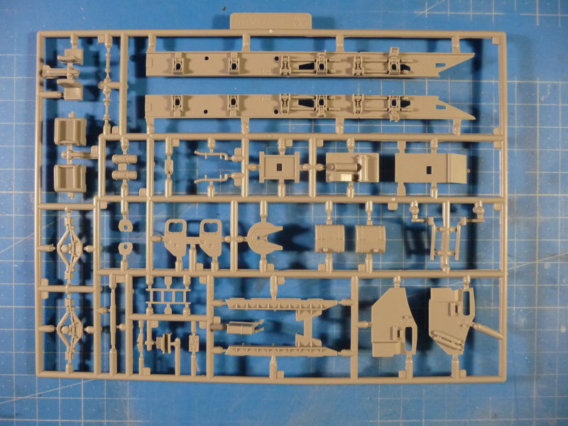 Ouvre-boite : MAZ-7410 & Chmzap-9990 w/ T-80BV MBT 1/72 (Modelcollect UA 72153) P1310510
