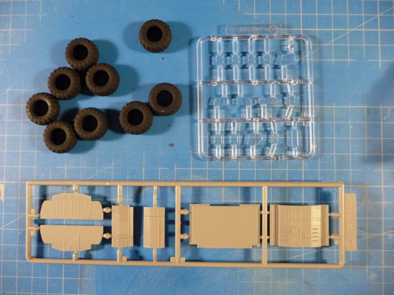 Ouvre-boite : MAZ-7410 & Chmzap-9990 w/ T-80BV MBT 1/72 (Modelcollect UA 72153) P1310511