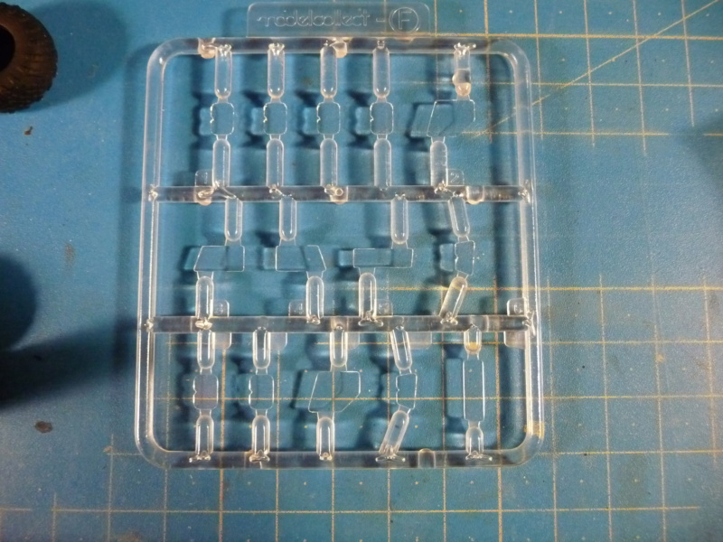 Ouvre-boite : MAZ-7410 & Chmzap-9990 w/ T-80BV MBT 1/72 (Modelcollect UA 72153) P1310513