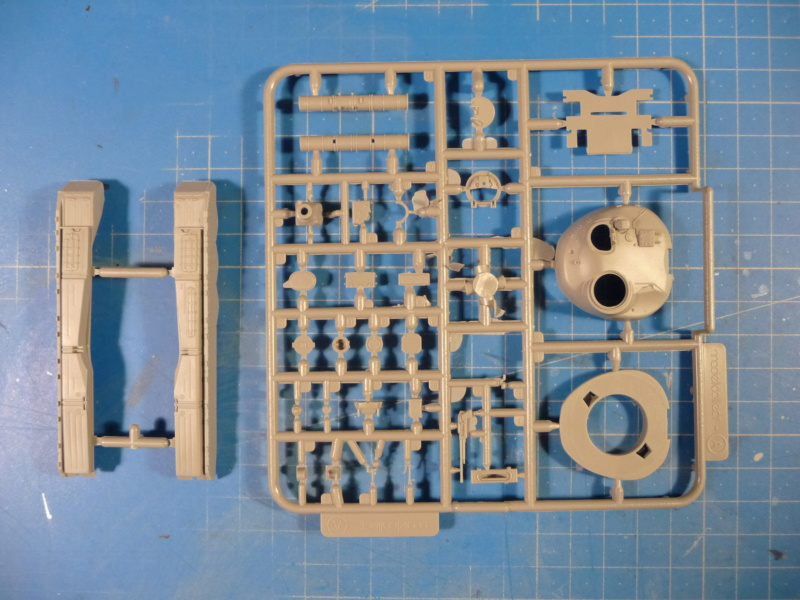 Ouvre-boite : MAZ-7410 & Chmzap-9990 w/ T-80BV MBT 1/72 (Modelcollect UA 72153) P1310517