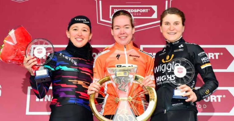 Strade Bianche 2019 femenina Podio_10