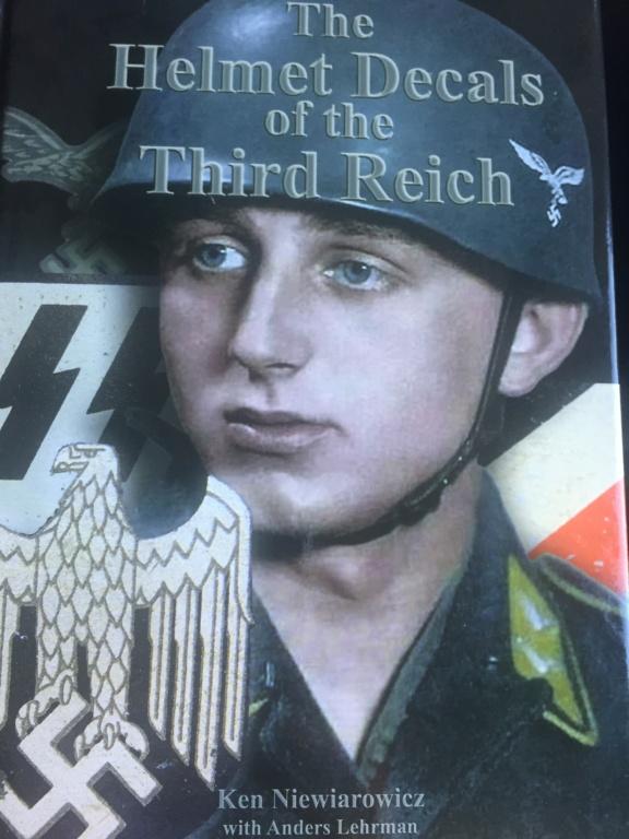 Nouvelle bible sur le casque allemand 9b6ba210