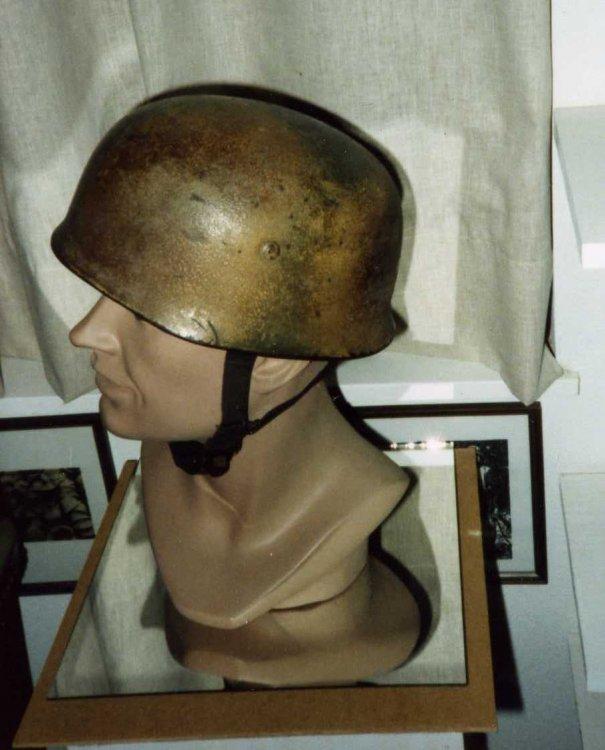 La folie des M35 et autres casques teutons - Page 4 Jim_he10
