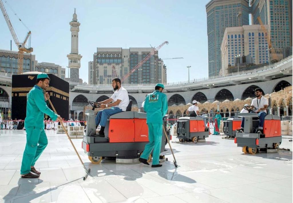 تفاصيل: السعودية تعلق الدخول إلى المملكة لأغراض العمرة والسياحة مؤقتاً بسبب  مرض كورونا  11924210