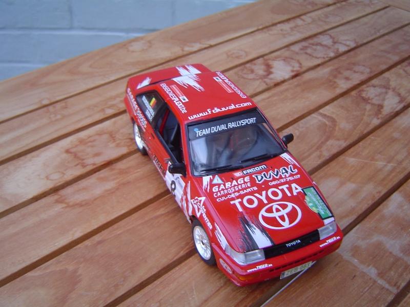 Toyota op schaal 1/24 Coroll16