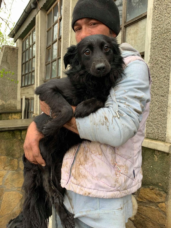 Olga- dans la maison abandonnée à Târgu Frumos 57338713