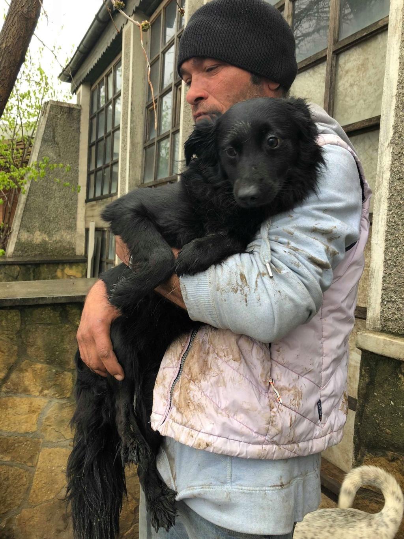 Olga- dans la maison abandonnée à Târgu Frumos 57345611