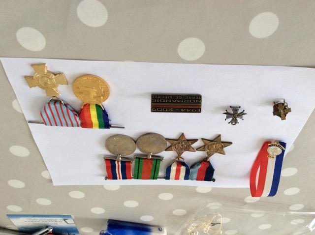 Médailles d'un ancien de la 1ère DB polonaise Img_2110