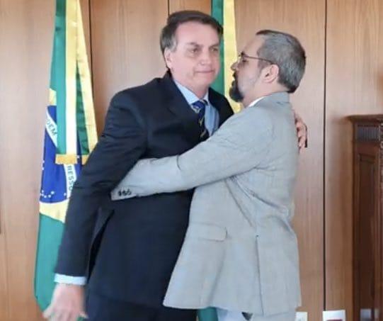 Queiroz é preso em casa de advogado da família Bolsonaro 59b25e10
