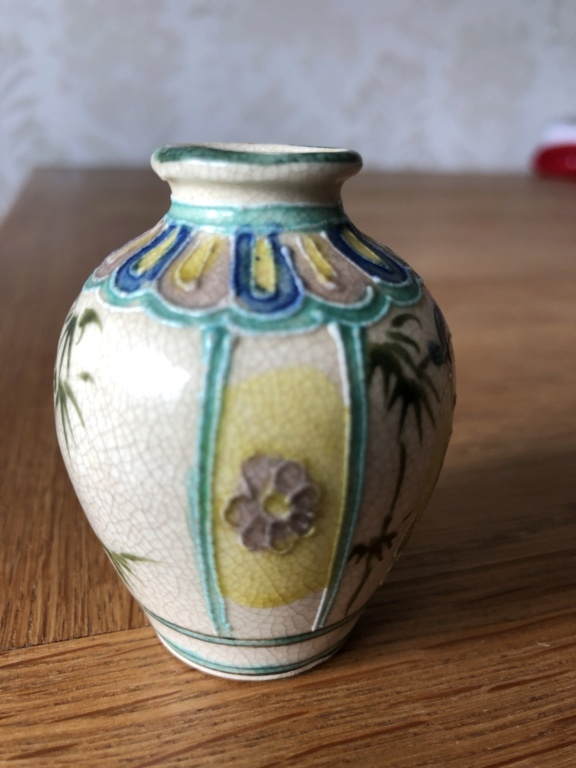 Help to ID this pot 0e6d8710