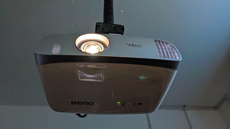 BenQ W1210ST - FULL-HD Short Throw Gaming Projector (USED) Pxl_2011