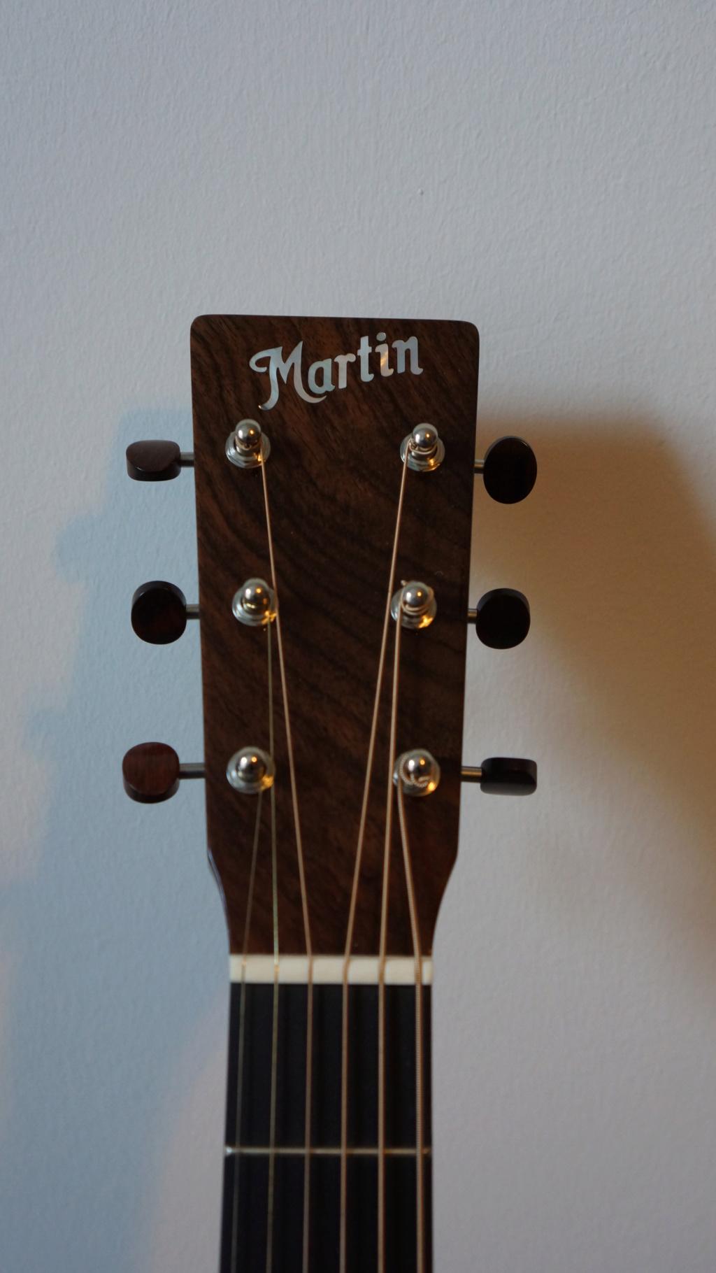 Slope shouders: Martin vs Gibson Dsc00016