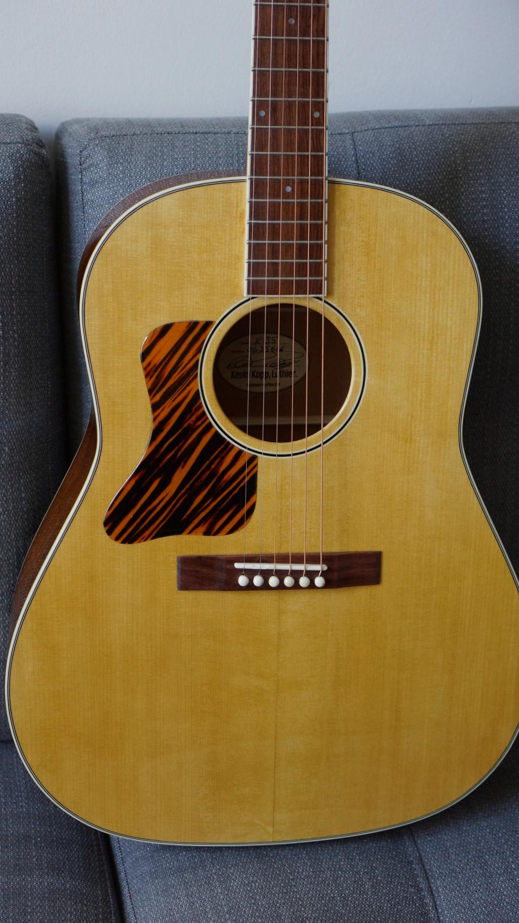 Slope shouders: Martin vs Gibson Dsc00018