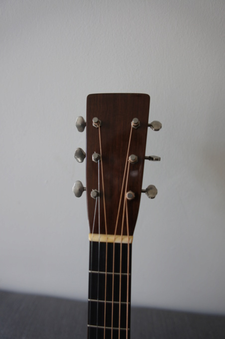 Pre-War Guitars - Page 2 Dsc01325