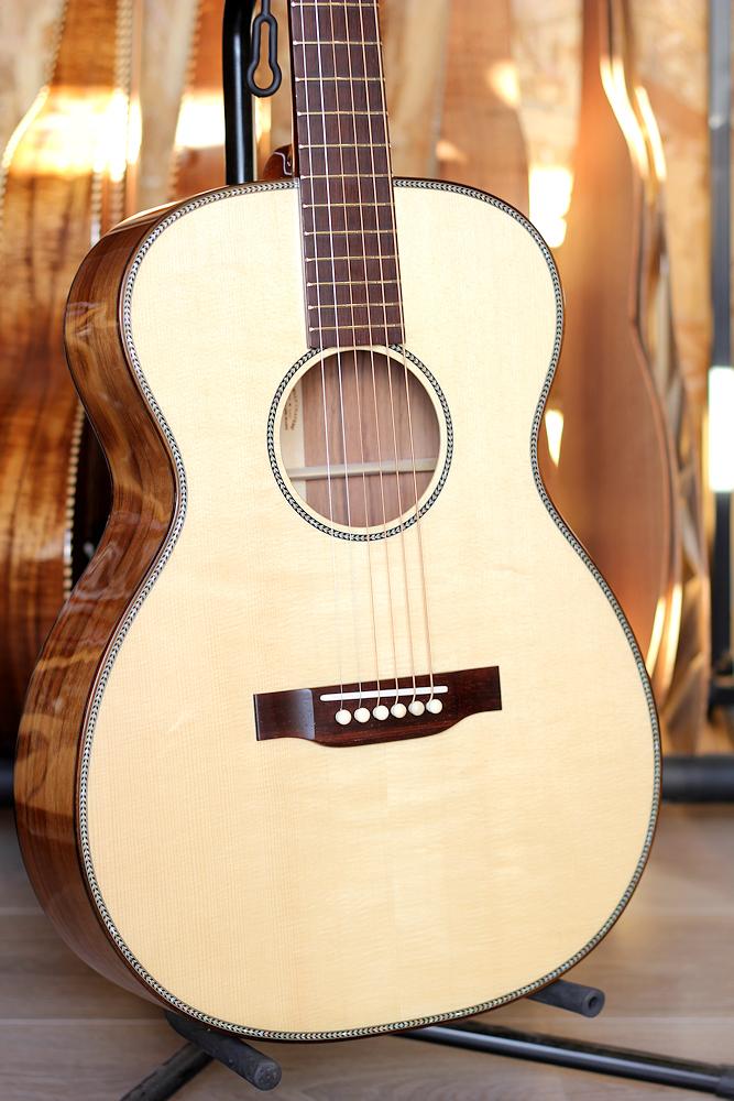 les prix des guitares de luthiers - Page 2 Tof8510