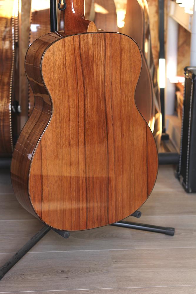 les prix des guitares de luthiers - Page 2 Tof8710