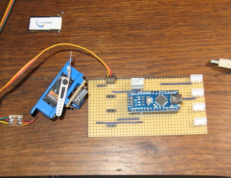 Arduino et les servomoteur. - Page 2 Img_2316