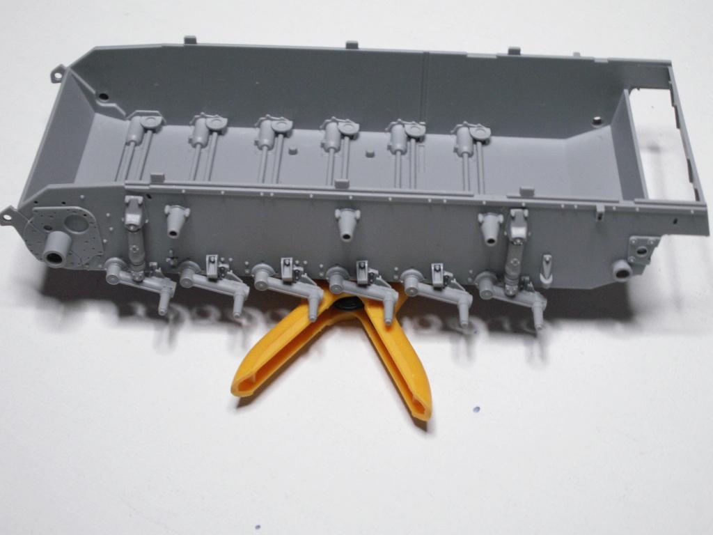 Sturmgeschütz III mit Flüssiggas-Antrieb (Smart Kit) Cyber-Hobby 1:35 Pict0175