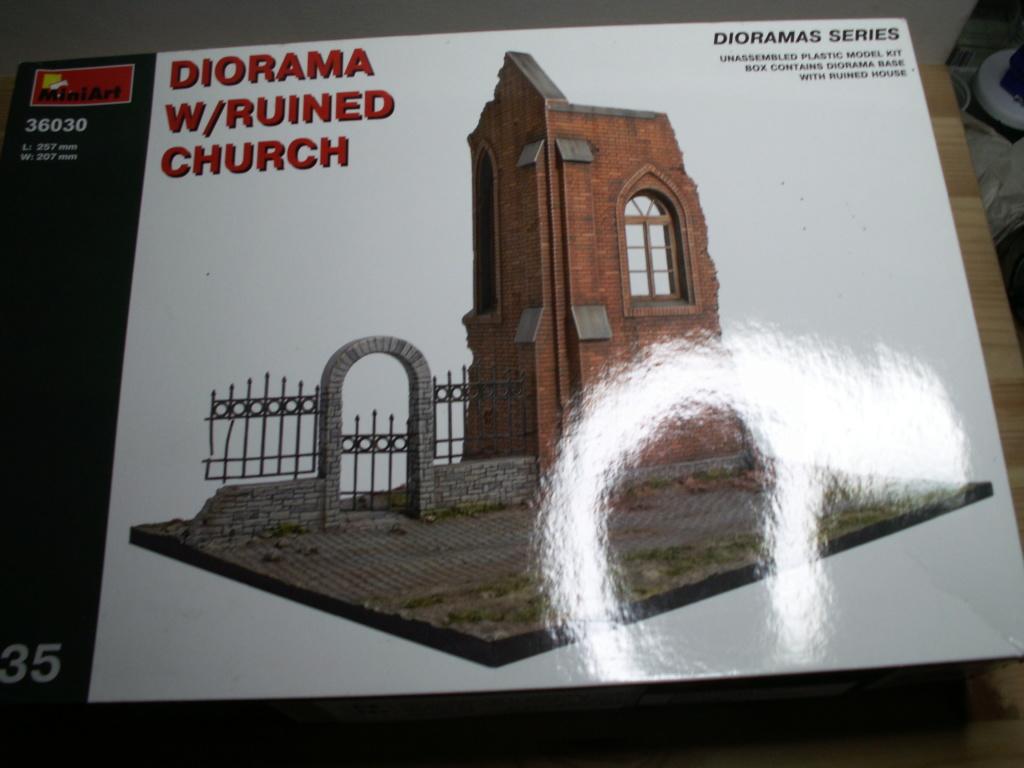Miniart - 36030 DIORAMA w/RUINED CHURCH