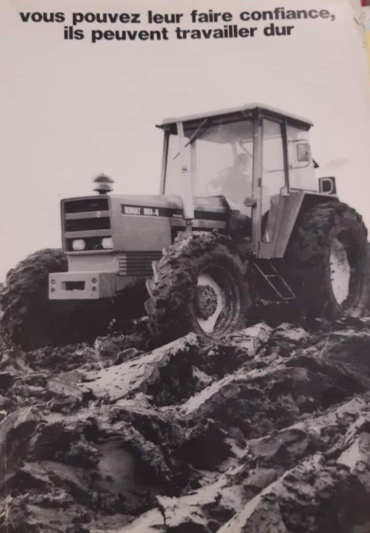 Les gros tracteurs RENAULT arrivent 20201110
