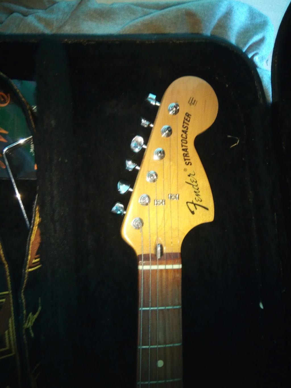 datation Stratocaster numéro de série Il suffit de brancher l'Inde