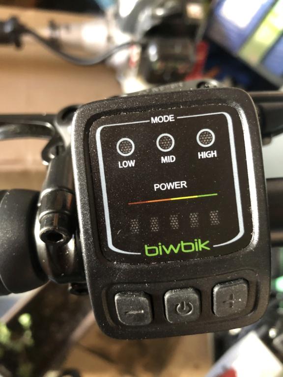 Pantalla LCD o Cuenta kilómetros normal. 8d303610