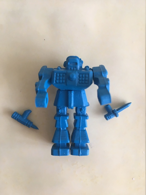 Petits robots en plastique Img_9610