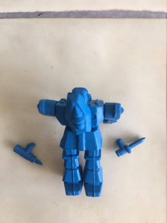 Petits robots en plastique Img_9613