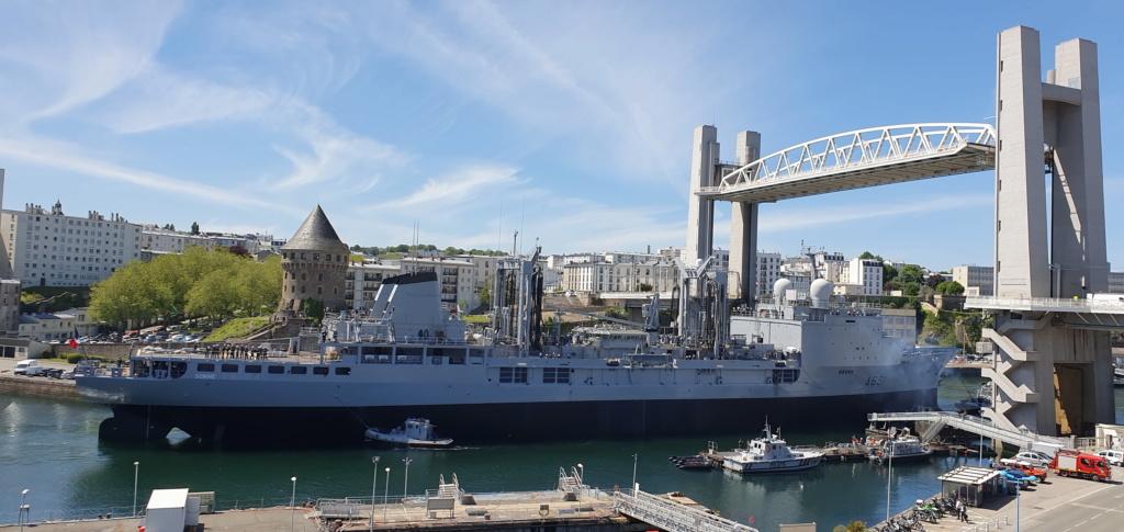 [Vie des ports] BREST Ports et rade - Volume 001 - Page 40 Brest_12