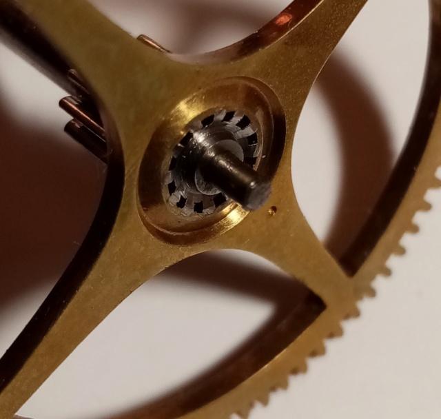 Souder, visser, chasser, goupiller... les assemblages de l'horlogerie à la bijouterie. Img_2050