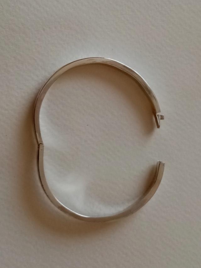 bracelet argent tout simple avec charnière et fermoir Img_2064