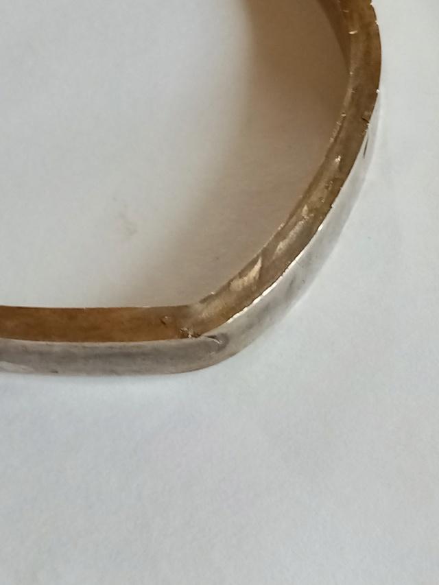 Le métal qui cède lors du forgeage Img_2089