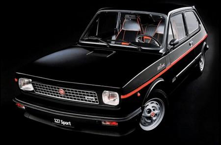 la moto c'est bien...la bagnole aussi ! Fiat-111