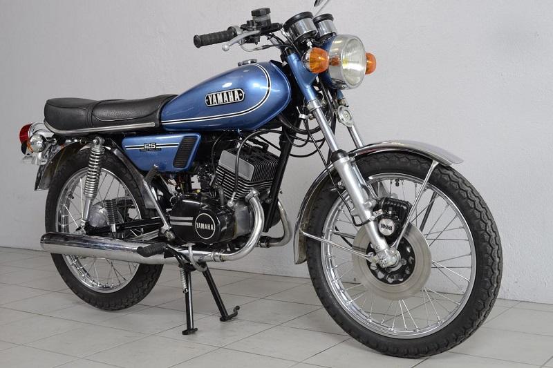 ma 1ère Yamaha ? Yamaha18
