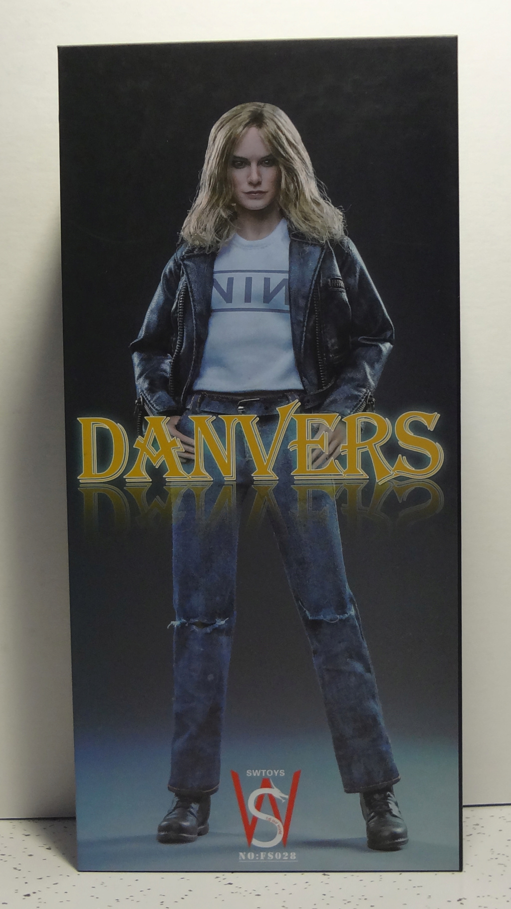 SWToys - NEW PRODUCT: Swtoys FS028 1/6 Scale Danvers figure Dsc00912