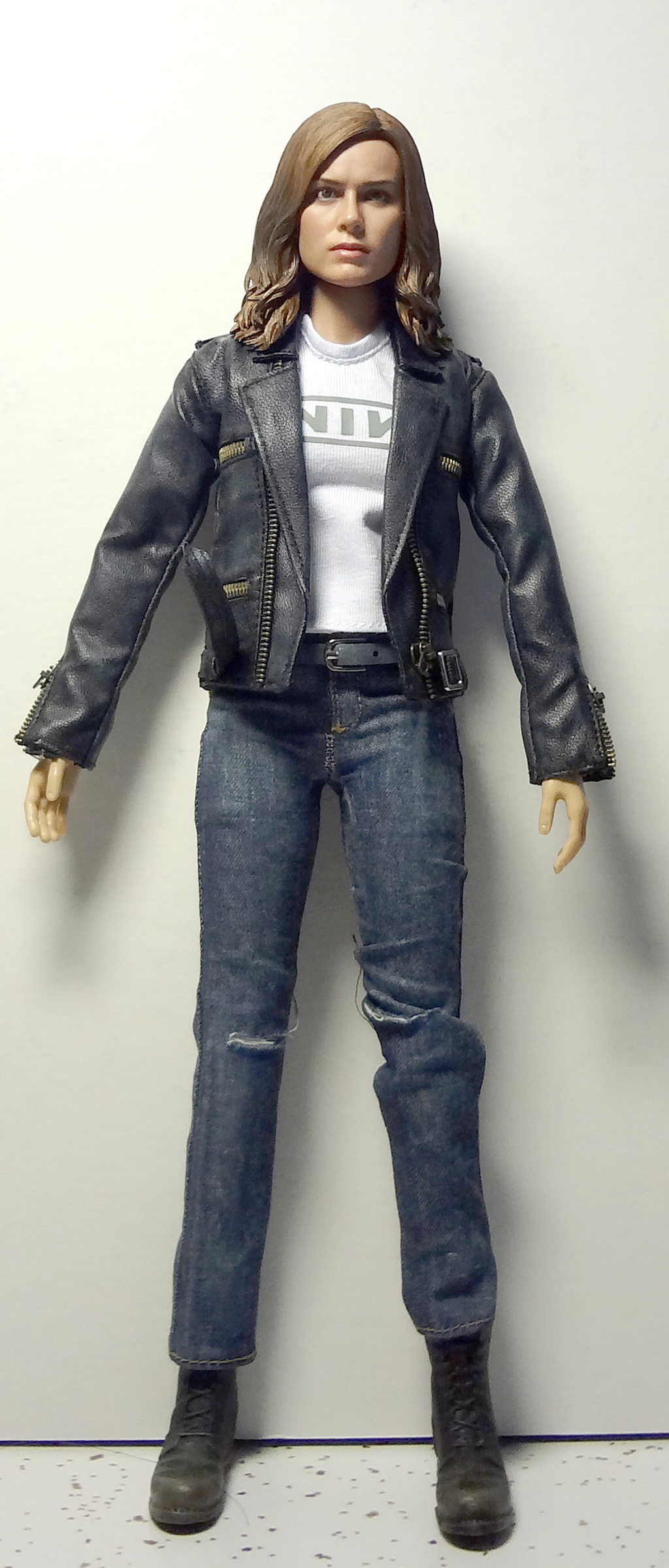 SWToys - NEW PRODUCT: Swtoys FS028 1/6 Scale Danvers figure Dsc00918