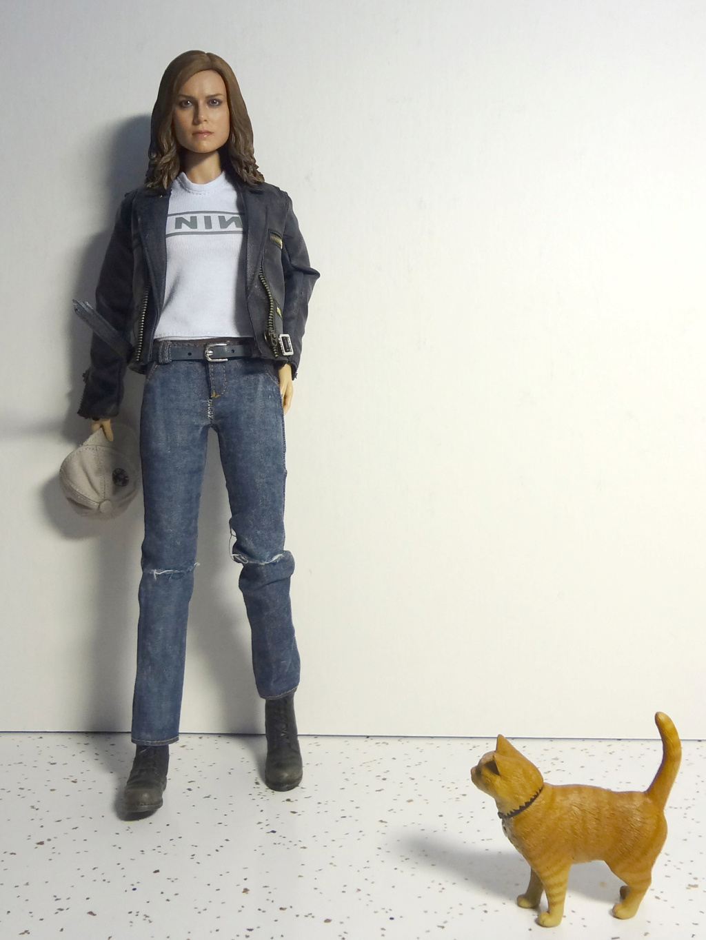 SWToys - NEW PRODUCT: Swtoys FS028 1/6 Scale Danvers figure Dsc00922