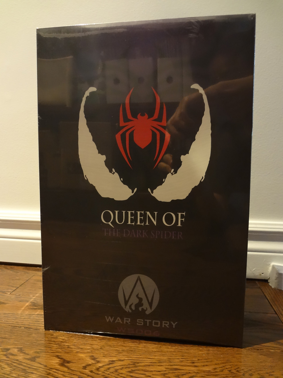 comicbook-based - NEW PRODUCT: War Story: 1/6 Black Poison Queen Action Figure WS006 -A Regular Version & B Deluxe  Dsc00931