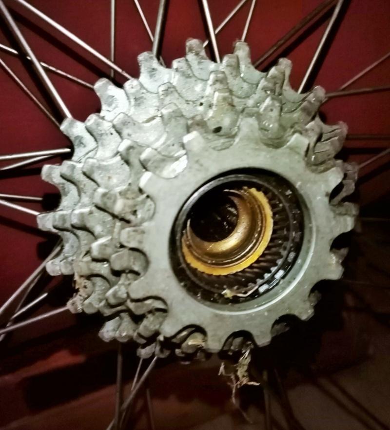 roue arrière HELICOMATIC  , montage de la RL + rondelle de fermeture + clef  02916