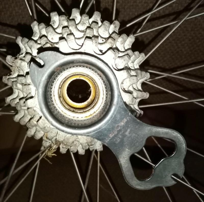 roue arrière HELICOMATIC  , montage de la RL + rondelle de fermeture + clef  03114