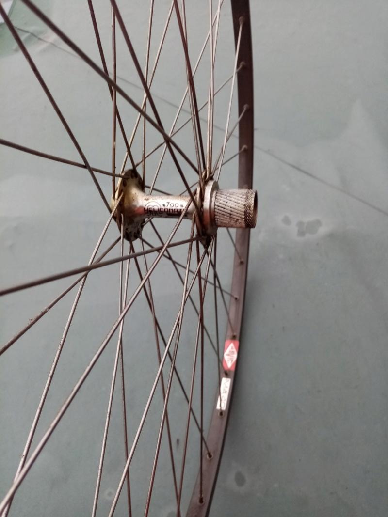 roue arrière HELICOMATIC  , montage de la RL + rondelle de fermeture + clef  20010