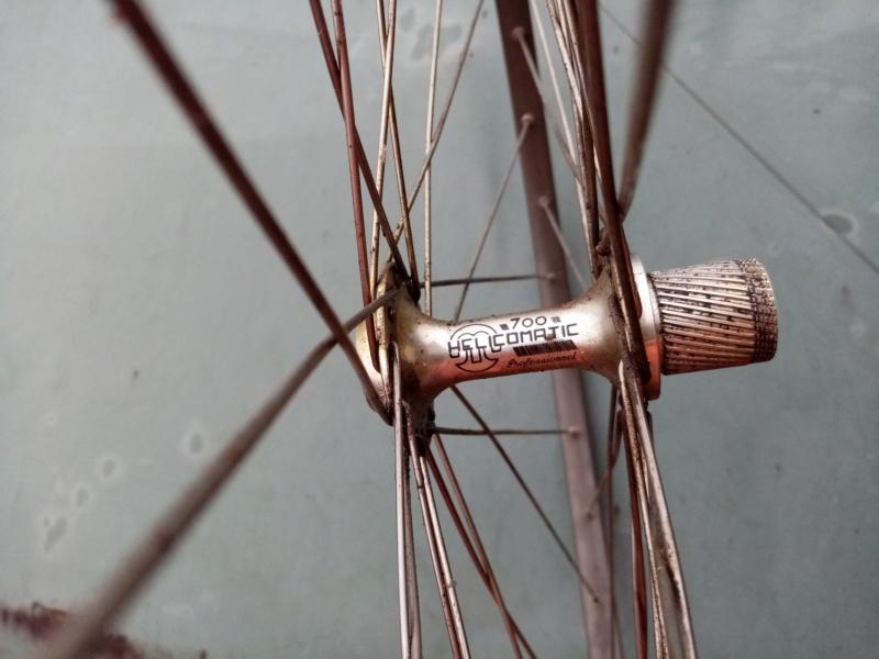 roue arrière HELICOMATIC  , montage de la RL + rondelle de fermeture + clef  20210